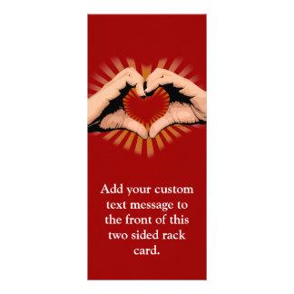 Manos en la forma de un corazón diseño del amor tarjetas publicitarias a todo color