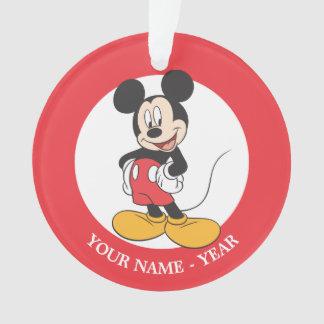 Manos laterales modernas de Mickey el | en caderas