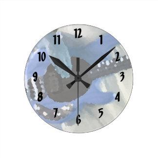 manos painterly del bajo de secuencia del azul cua reloj redondo mediano
