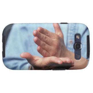 Manos que hacen gesto: uno de mano derecho galaxy SIII protector