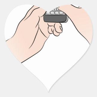Manos usando Smartphone Pegatina En Forma De Corazón
