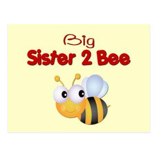 Manosee a la hermana grande de la abeja para ser tarjetas postales