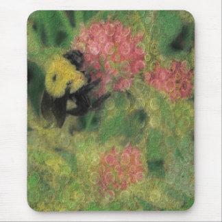 Manosee la abeja en trébol tapetes de ratones