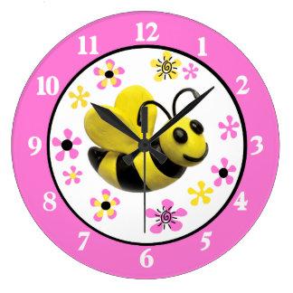 Manosee la ducha de la niña de la abeja reloj redondo grande