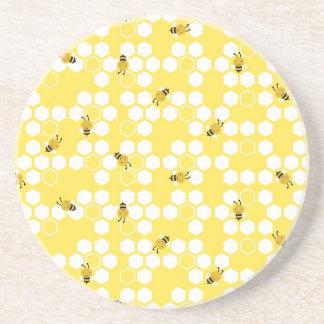 Manosee los prácticos de costa de la abeja posavaso para bebida