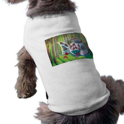 Mansión mágica de los pescados en el bosque ropa perro