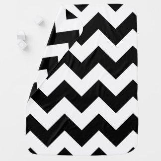 Manta blanco y negro del bebé de Chevron Mantas De Bebé