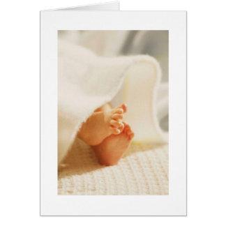 Manta envuelta pies lindos del bebé de los pies de tarjeta de felicitación
