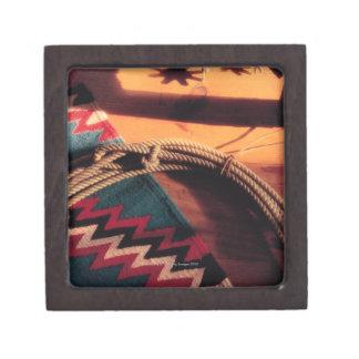Manta, lazo, y estímulos del nativo americano caja de recuerdo de calidad