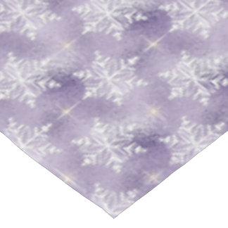 Mantel púrpura del día de fiesta del modelo del