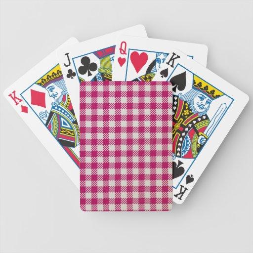 mantel rojo y blanco barajas de cartas