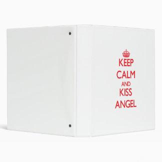 Mantenga ángel tranquilo y del beso