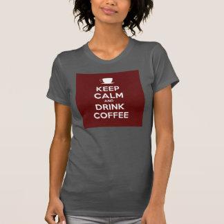 Mantenga café tranquilo y de la bebida poleras