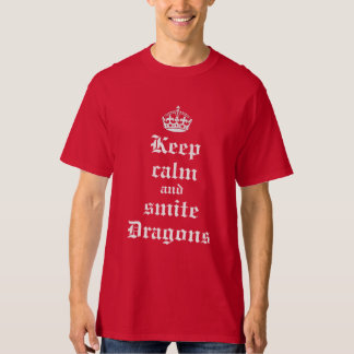 Mantenga camisa medieval tranquila y del golpe