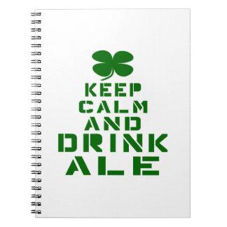 Mantenga cerveza inglesa tranquila y de la bebida cuaderno