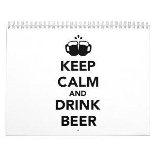 Mantenga cerveza tranquila y de la bebida calendarios de pared
