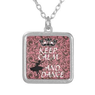 mantenga collar tranquilo y de la danza de la bail