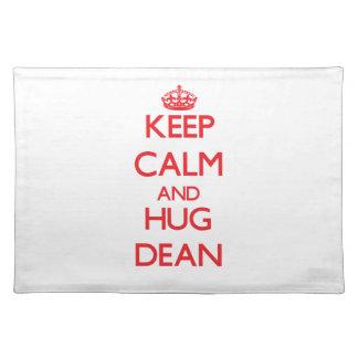 Mantenga decano tranquilo y del abrazo manteles individuales