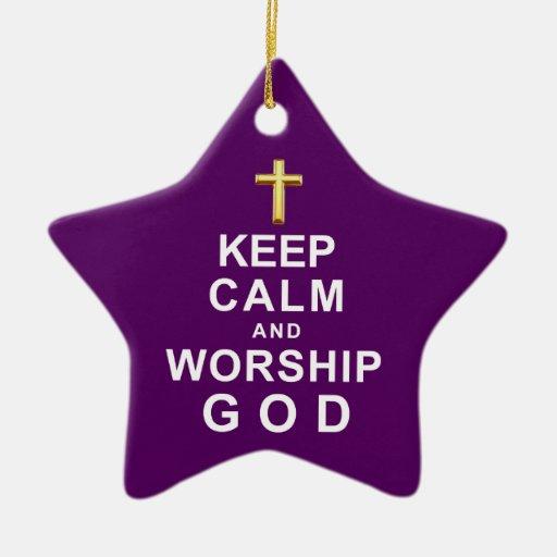Mantenga dios tranquilo y de la adoración adorno navideño de cerámica en forma de estrella
