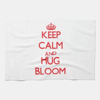 Mantenga floración tranquila y del abrazo toalla
