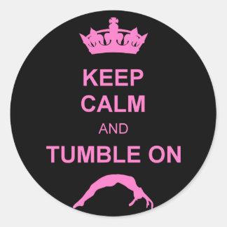 Mantenga gimnasta tranquilo y de la caída pegatina redonda