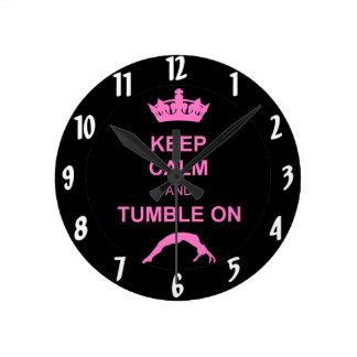 Mantenga gimnasta tranquilo y de la caída reloj redondo mediano