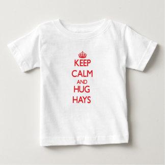 Mantenga heno tranquilo y del abrazo playera para bebé