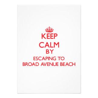 Mantenga la calma escapándose a la playa amplia de