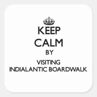 Mantenga la calma visitando el paseo marítimo de calcomania cuadrada personalizada