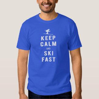 Mantenga la calma y el esquí rápidos - los hilos remera