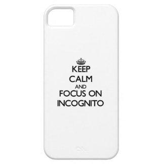 Mantenga la calma y el foco encendido incógnitos iPhone 5 Case-Mate carcasas