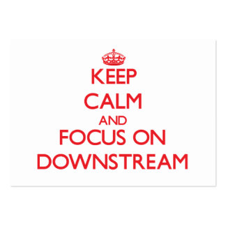 Mantenga la calma y el foco encendido rio abajo