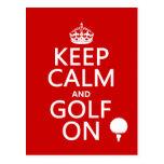 Mantenga la calma y el golf encendido - disponible postal