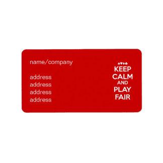 Mantenga la calma y el juego justos etiquetas de dirección