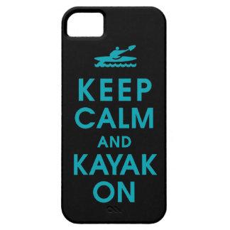 mantenga la calma y la paleta divertida del kajak iPhone 5 carcasa