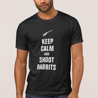 Mantenga los conejos tranquilos y del lanzamiento camisetas