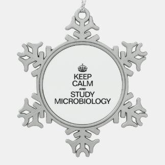 MANTENGA MICROBIOLOGÍA TRANQUILA Y DEL ESTUDIO ADORNO DE PELTRE EN FORMA DE COPO DE NIEVE