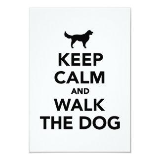 """Mantenga perro tranquilo y del paseo invitación 3.5"""" x 5"""""""
