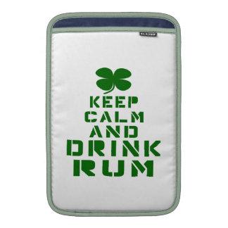 Mantenga ron tranquilo y de la bebida funda para macbook air