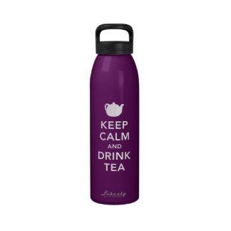 Mantenga té tranquilo y de la bebida botella de agua