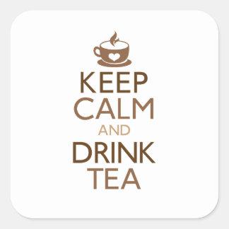 Mantenga té tranquilo y de la bebida pegatina cuadrada