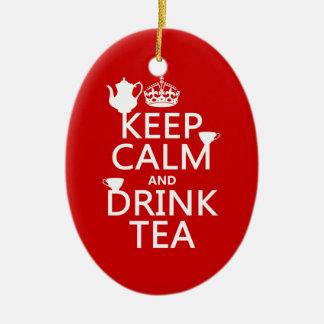 Mantenga té tranquilo y de la bebida - todos los adorno navideño ovalado de cerámica