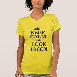 Mantenga tocino tranquilo y del cocinero camiseta