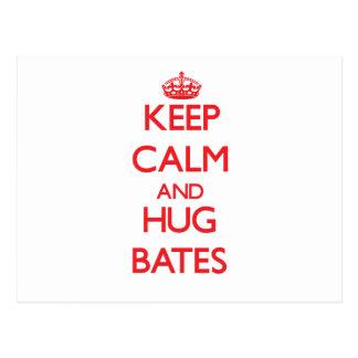 Mantenga tranquilo y abrazo Bates Postales