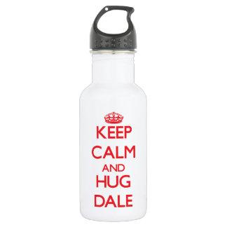 Mantenga tranquilo y abrazo Dale