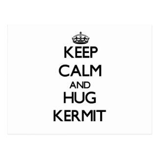 Mantenga tranquilo y abrazo Kermit Postal