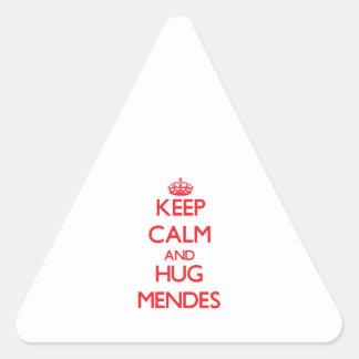 Mantenga tranquilo y abrazo Mendes Pegatina Triangular