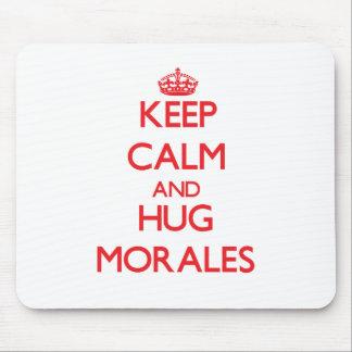 Mantenga tranquilo y abrazo Morales Tapetes De Ratón