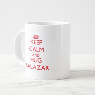 Mantenga tranquilo y abrazo Salazar Tazas Jumbo