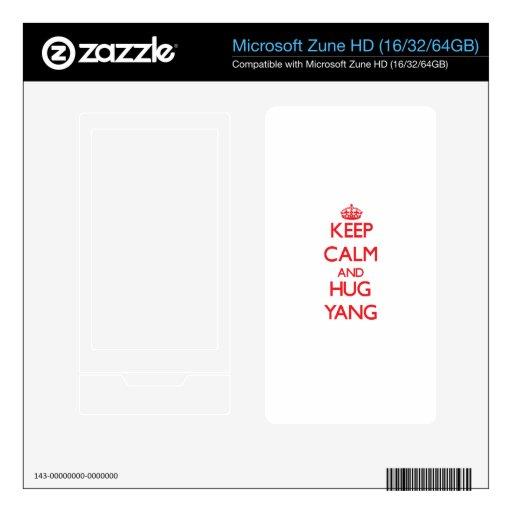 Mantenga tranquilo y abrazo Yang Calcomanías Para Zune HD